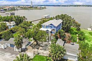 Property for sale at 1814 Cove Park Drive, Kemah,  Texas 77565