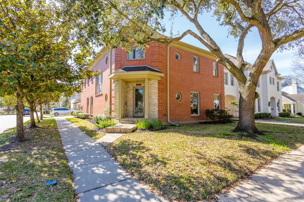2801 Quenby Avenue West University Place TX  77005 - Hunter Real Estate Group
