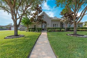 Property for sale at 11803 Crescent Bluff Drive, Pearland,  Texas 77584