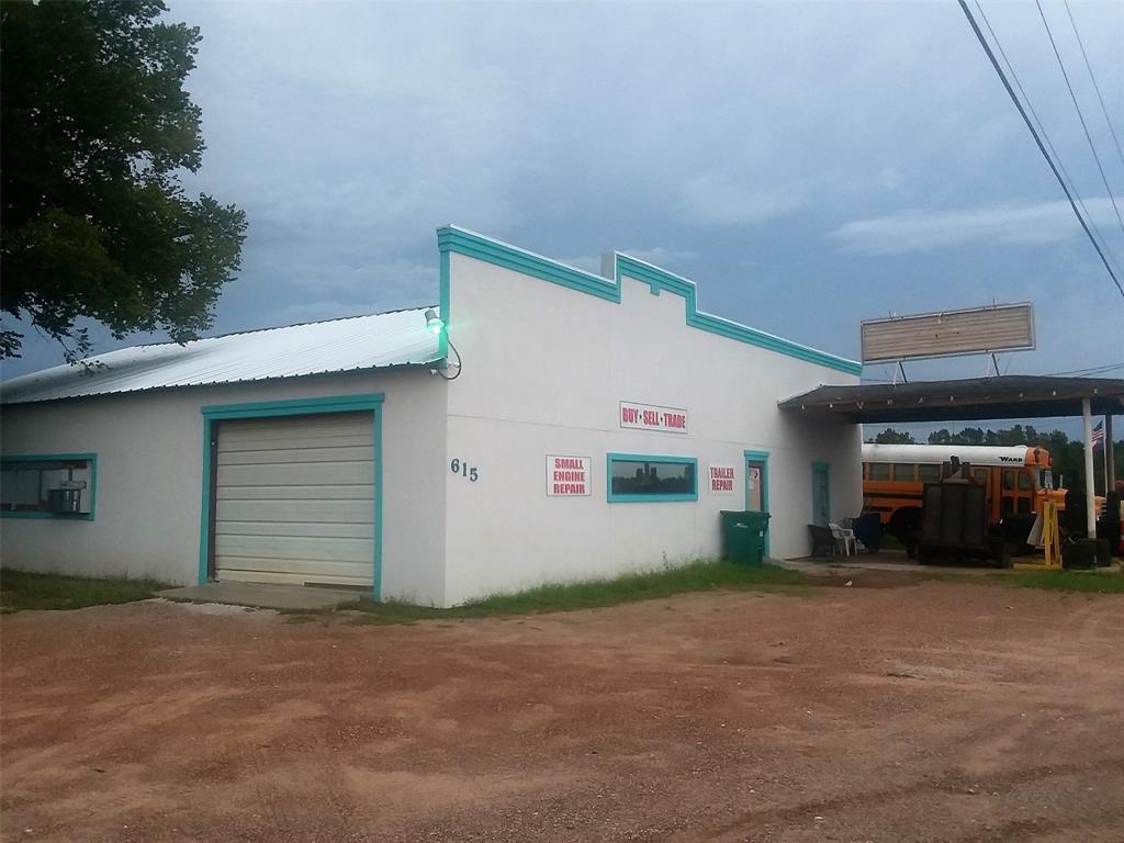 615 & 617 N Highway 75 Willis, TX 77378