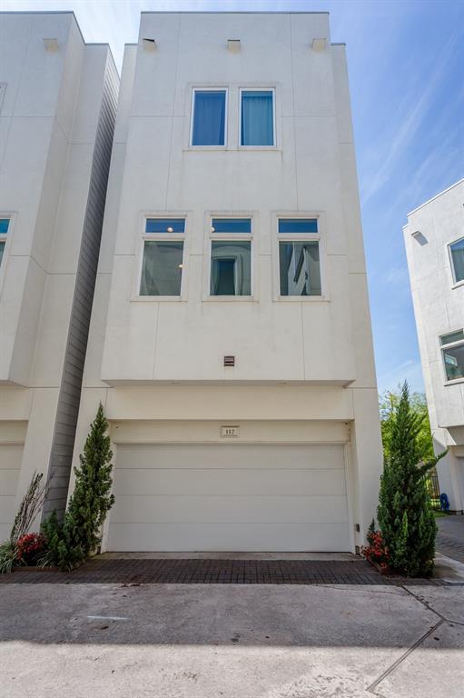 112 Pierce Street Houston TX  77002 - Hunter Real Estate Group