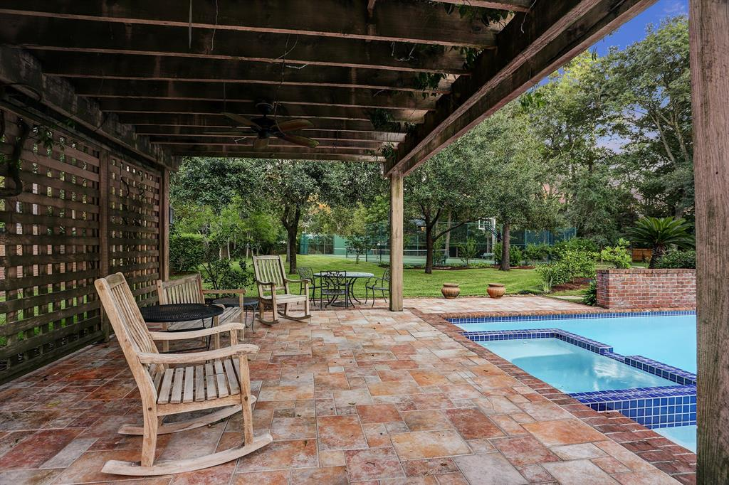 402 Timberwilde Lane Houston, TX 77024