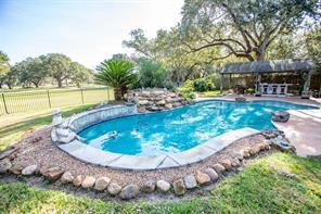 Property for sale at 800 Enchanted Oaks Drive, Angleton,  Texas 77515