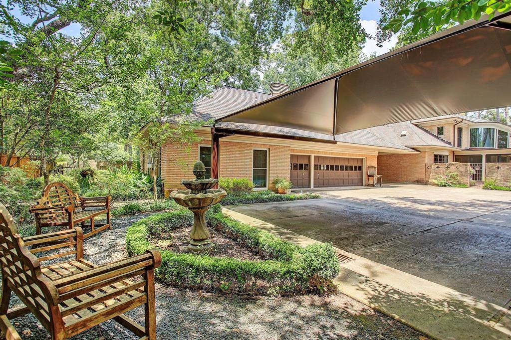 3739 Knollwood Drive Houston, TX 77019