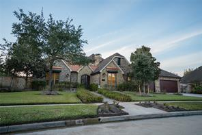 Property for sale at 11901 Crescent Cove Drive, Pearland,  Texas 77584