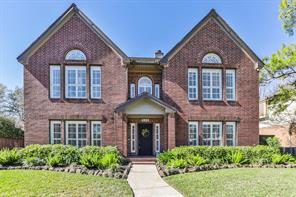 Property for sale at 906 Applewood Drive, Friendswood,  Texas 77546