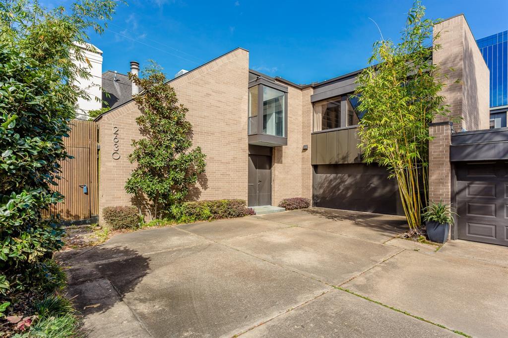 2630 West Lane Drive Houston TX  77027 - Hunter Real Estate Group