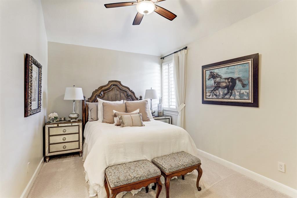 2 Wynden Oaks Court Houston, TX 77056