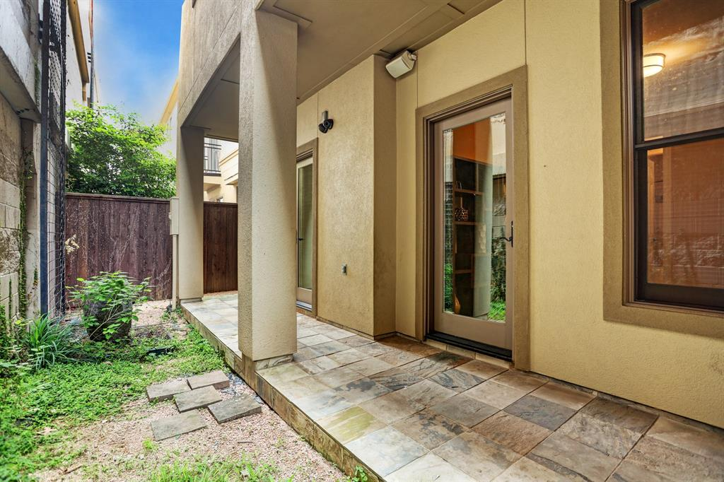 847 Rosastone Trail Houston, TX 77024