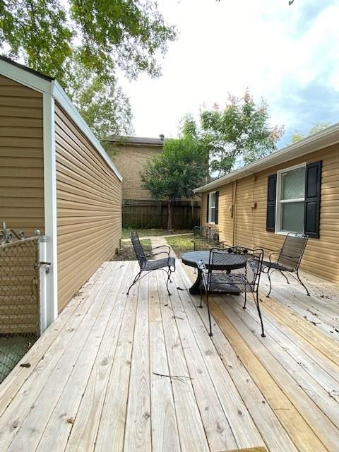 7726 Tipps Street Houston, TX 77023