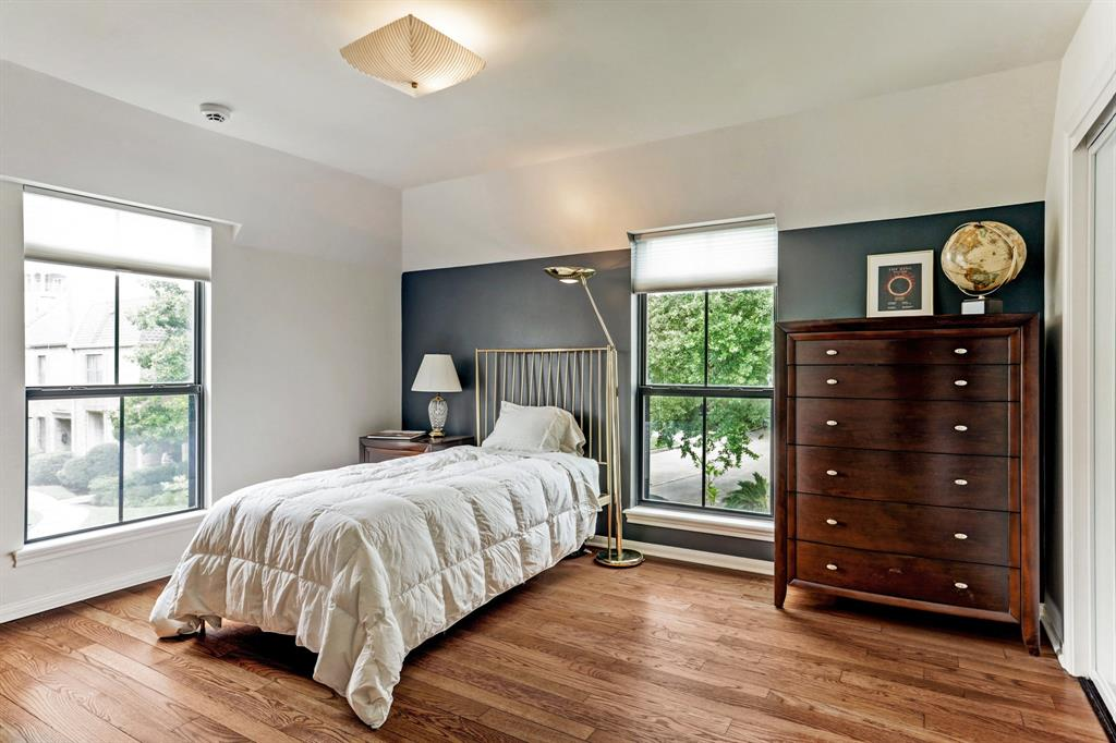 4964 Post Oak Timber Drive Houston, TX 77056