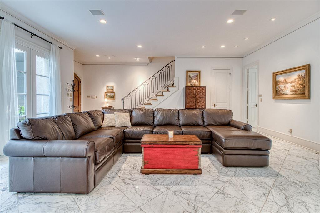 1743 Bolsover Street Houston, TX 77005