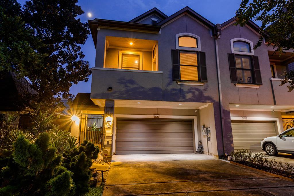 5303 Blossom Street Houston TX  77007 - Hunter Real Estate Group