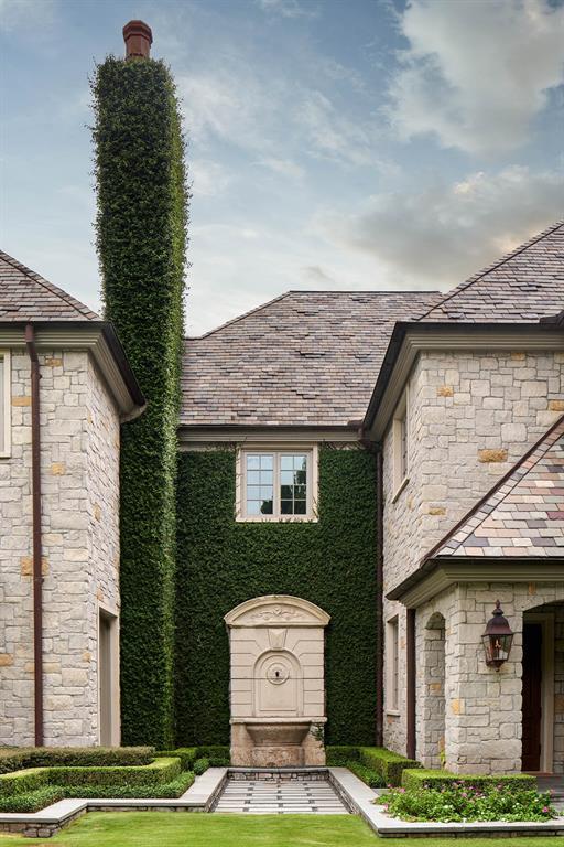 120 Carnarvon Drive Houston, TX 77024