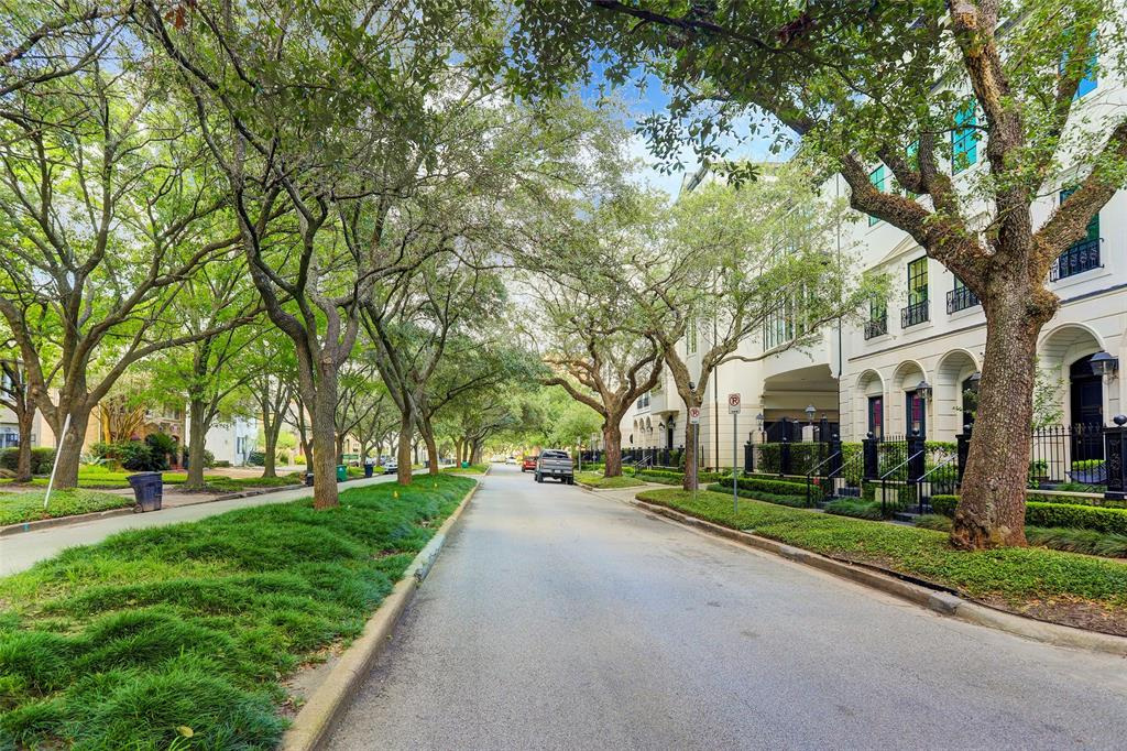 1763 Sunset Boulevard Houston, TX 77005