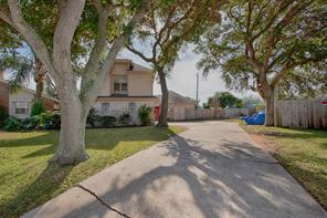 Property for sale at 45 Lakeview Drive, Galveston,  Texas 77551