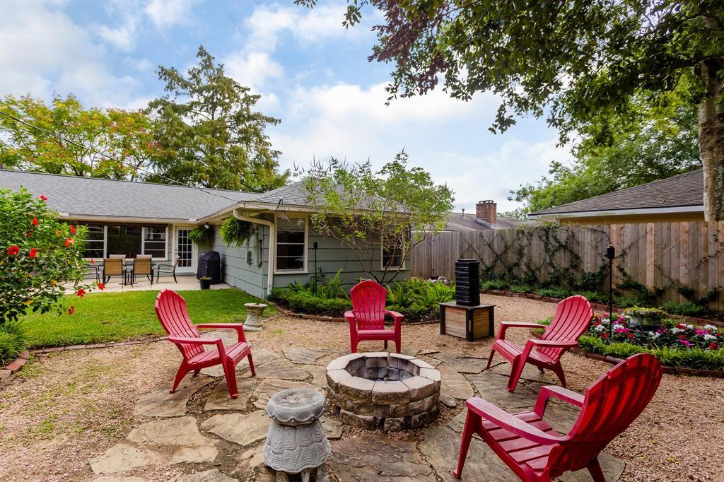 8610 Ilona Lane Houston TX  77025 - Hunter Real Estate Group