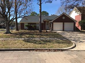 Property for sale at 213 Sharnoll Circle, League City,  Texas 77573