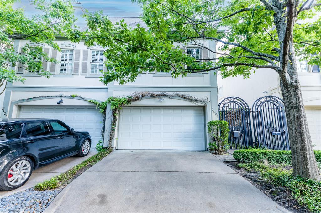 2429 North Boulevard Houston TX  77098 - Hunter Real Estate Group