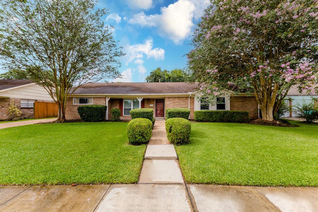 5430 Lymbar Drive Houston TX  77096 - Hunter Real Estate Group