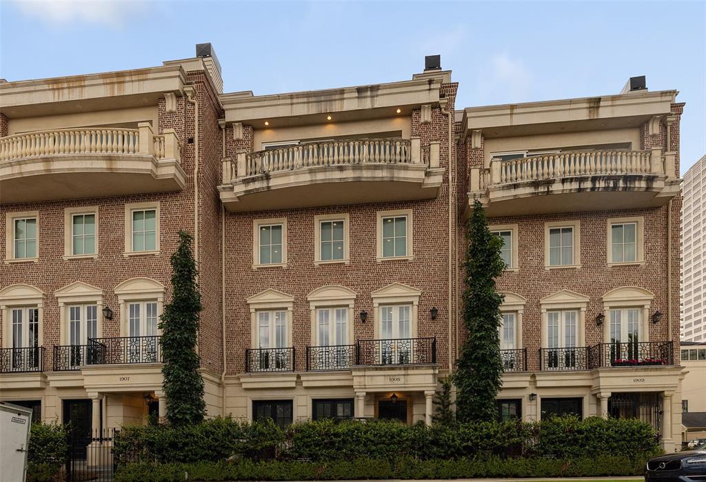 1905 Revere Street Houston TX  77019 - Hunter Real Estate Group